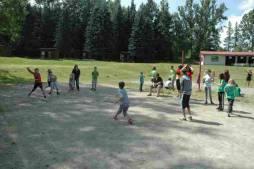 Vybíjená na volejbalovém hřišti